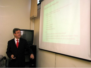 Globo Educação - Bullying - Professor José Afonso Mazzon (Foto: Divulgação)
