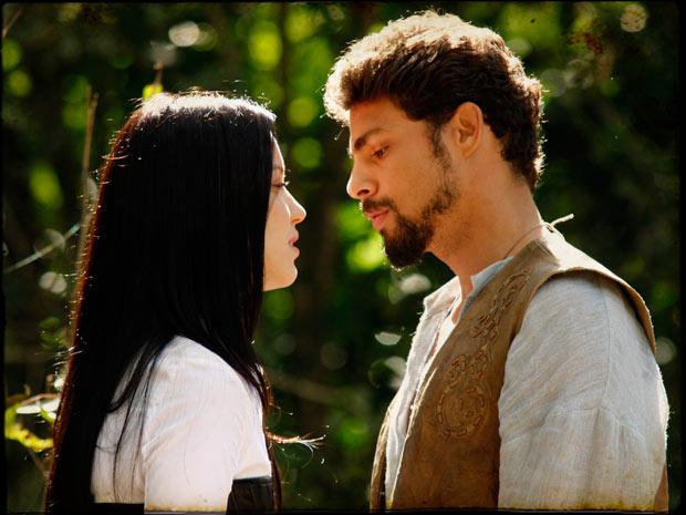 Jesuíno se encontra com Dora e fica balançado (Foto: TV Globo/Cordel Encantado)