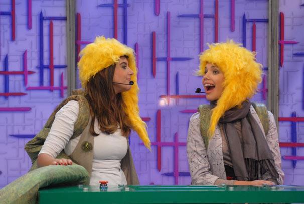 Giovanna Lancellotti e Bruna Linzmeyer (Foto: TV Globo/Blenda Gomes)