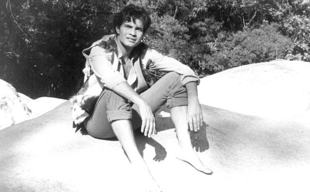 Tarcísio Meira como o herói João Coragem na primeira novela a ter uma cidade cenográfica  (Foto: CEDOC/ TV Globo)