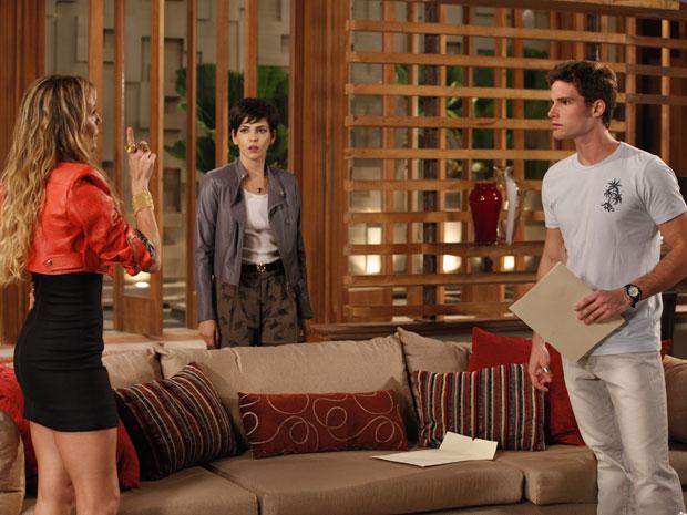 Natalie manda Rafa embora de casa e provoca Paula (Foto: TV Globo/ Insensato Coração)