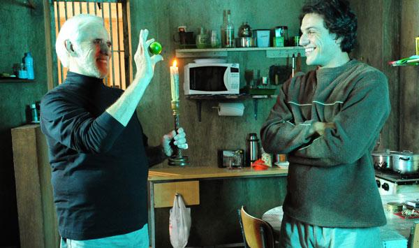 Francisco Cuoco e Rodrigo Lombardi se divertem nos bastidores (Foto: João Miguel Jr./ TV Globo)