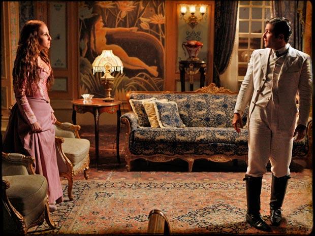 Carlota anuncia sua gravidez a Timóteo para que ele solte Açucena (Foto: TV Globo/ Cordel Encantado)