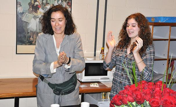 Lilia Cabral ganhou uma festa supresa nos estúdios de Fina Estampa (Foto: Estevam Avellar/ TV Globo)