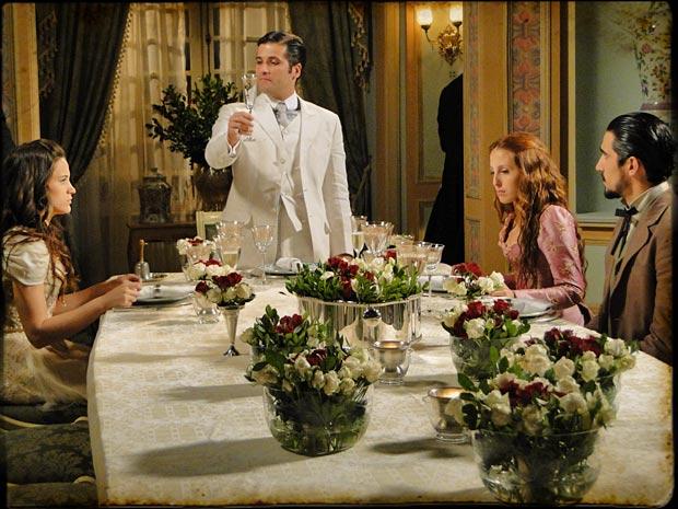 Timóteo avisa que vai se casar com Açucena e anuncia que Carlota deve se casar com Fausto (Foto: TV Globo/ Cordel Encantado)