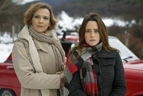 Eva (Ana Beatriz Nogueira) é a mãe de Ana (Fernanda Vasconcellos) em A Vida da Gente (Foto: Renato Rocha Miranda/TV Globo)