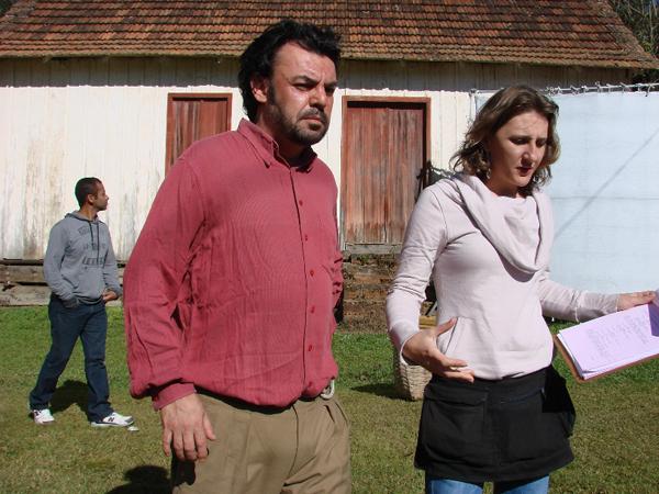 """Bastidores de """"Estranhos em Casa"""" (Foto: Divulgação/RPC TV)"""
