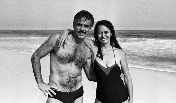 O deputado vive o dilema entre viver esse grande amor ou manter o casamento por causa de sua imagem pública (Foto: CEDOC/ TV Globo)