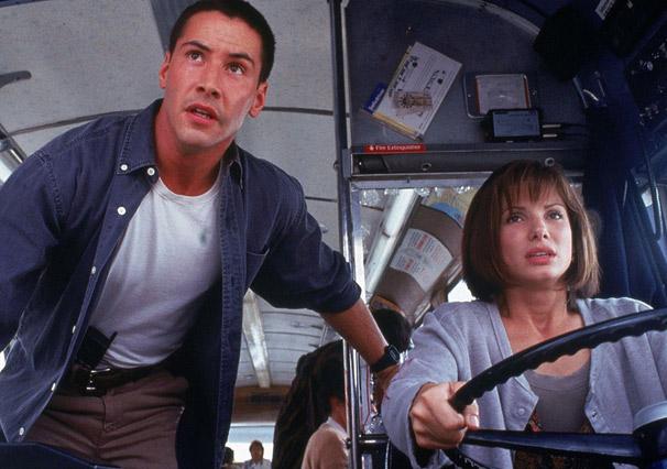 Jack Traven (Keanu Reeves) e Annie Porter (Sandra Bullock) (Foto: Divulgação)