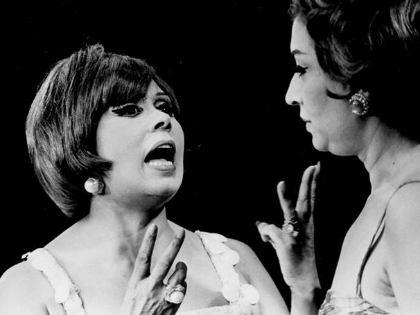 Programa Dercy Espetacular, de 1966, tinha entrevista e shows (Foto: CEDOC/ TV Globo)