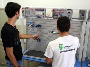 Escola Tecnica - Alunos (Foto: Divulgação)