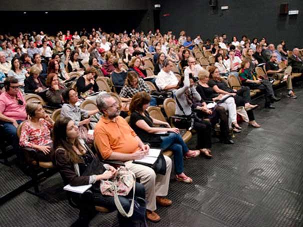 O público lotou o auditório da Casa de Rui Barbosa, no Rio de Janeiro  (Foto: Kiko Cabral)