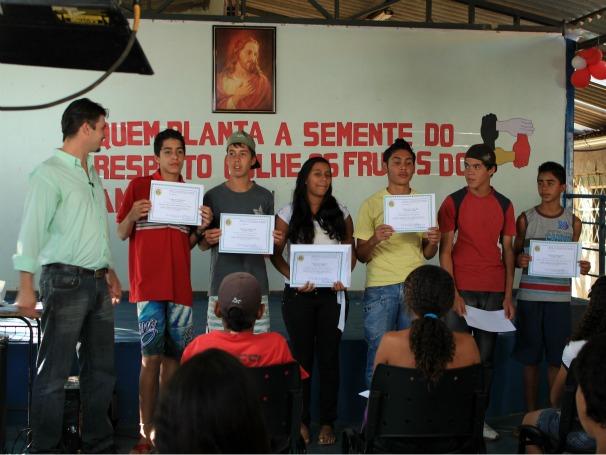 Alunos da instituição Luz no Caminho (Foto: Christina Fuscaldo)