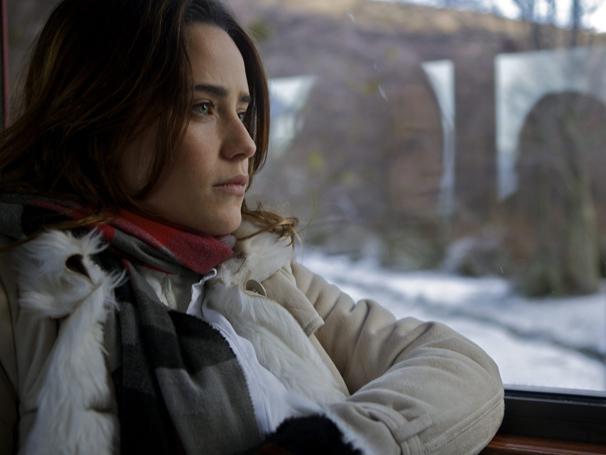 Durante gravações em Ushuaia, Fernanda Vasconcellos aproveita para apresentar sua personagem (Foto: TV Globo / Fabricio Mamberti)