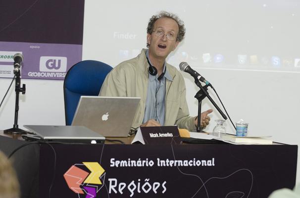 Mark Amerika, professor da Universidade do Colorado e pioneiro em processos digitais (Foto: Kiko Cabral)
