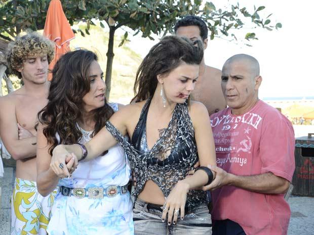 Zambeze diz a Álvaro que levará Luana para a pousada (Foto: TV Globo/ Fina Estampa)