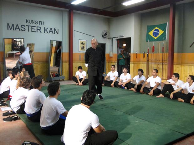 Gabriel se inscreve nas aulas de kung fu (Foto: TV Globo/ Malhação)
