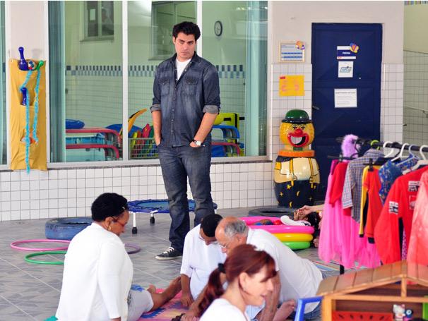 Thiago Lacerda é o neurologista Lúcio na nova novela das seis (Foto: TV Globo / Estevam Avellar)