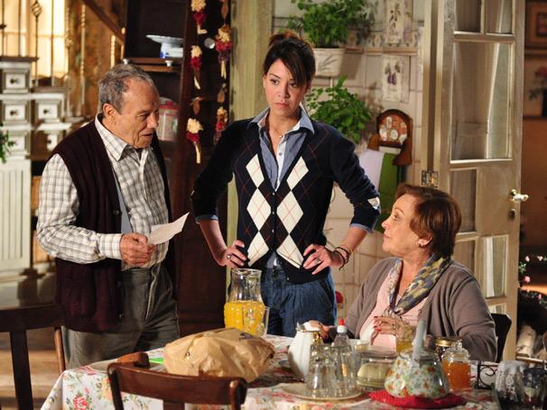 Júlia Almeida interpreta uma enfermeira na nova novela das seis (Foto: TV Globo/ Estavam Avellar)