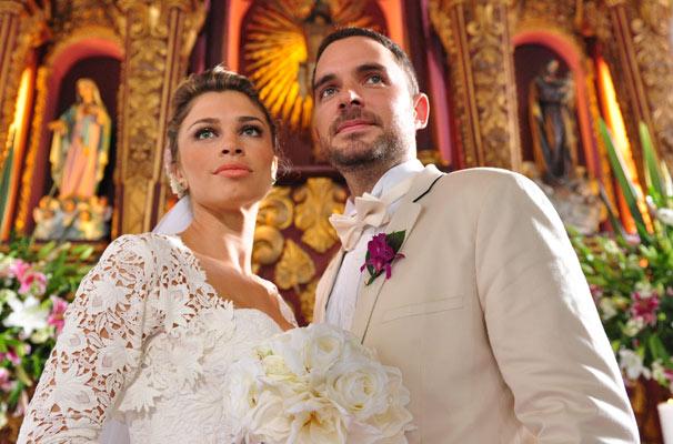 Na trama, Lucena (Grazi Massafera) se casa em Cartagena com o colombiano Juan (Manolo Cardona) (Foto: Estevam Avellar/ TV Globo)