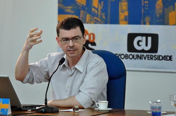 O seminário Estudos Televisivos: Diálogos Brasil-Portugal é organizado por João Freire Filho (Foto: Renato Velasco)