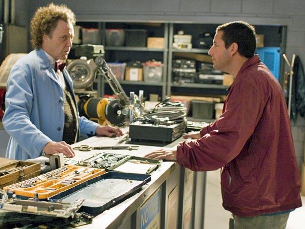 Morty (Christopher Walken) vende um exótico controle remoto (Foto: Divulgação)