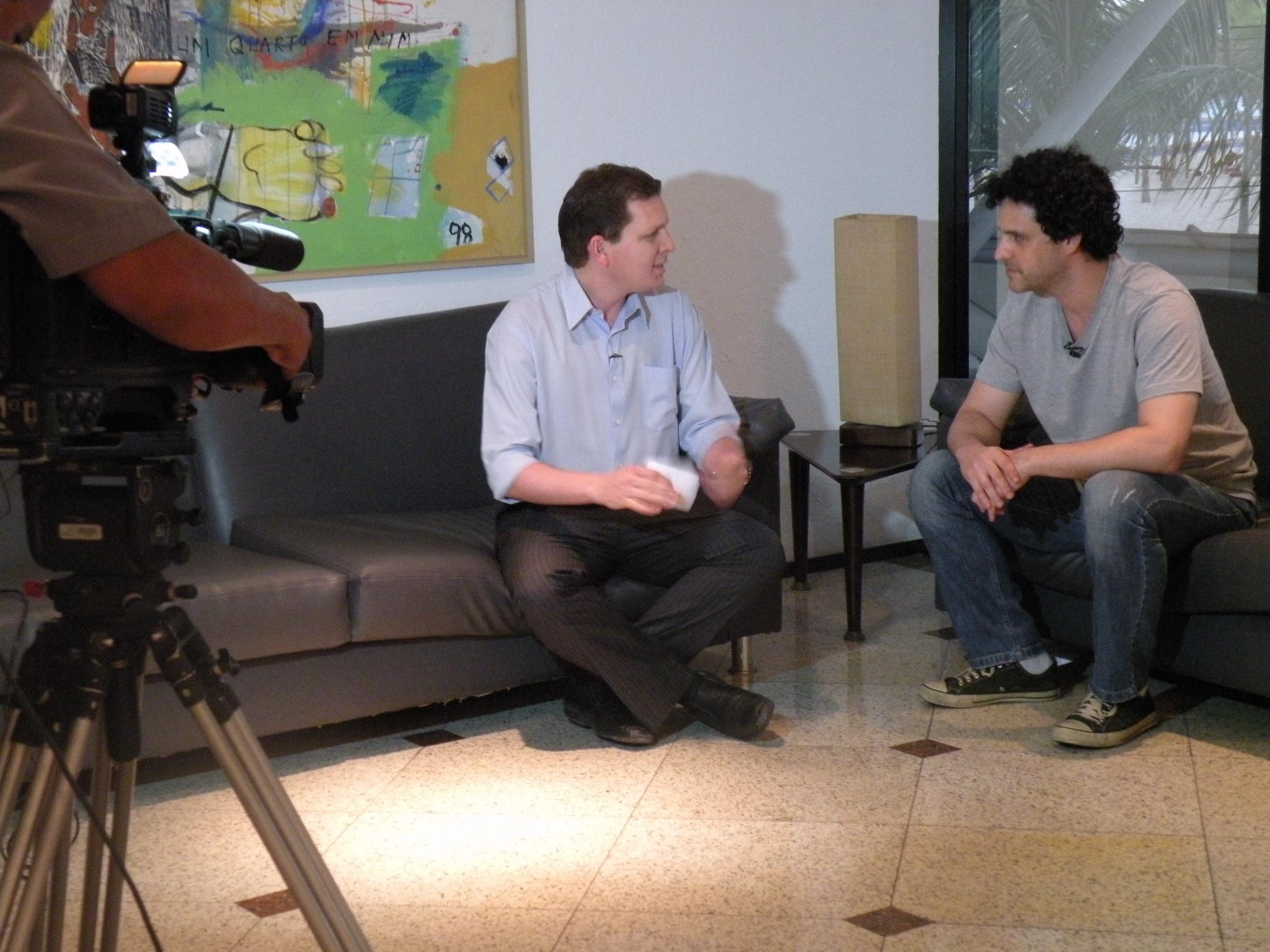 Bruno Garcia grava matéria para o CETV (Foto: Alyne Cardoso)