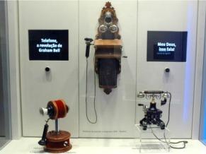 Réplica do telefone usado por D. Pedro II no Museu das Telecomunicações (Foto: Divulgação)