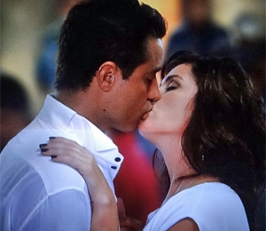 aquele beijo (Foto: Rede Globo)