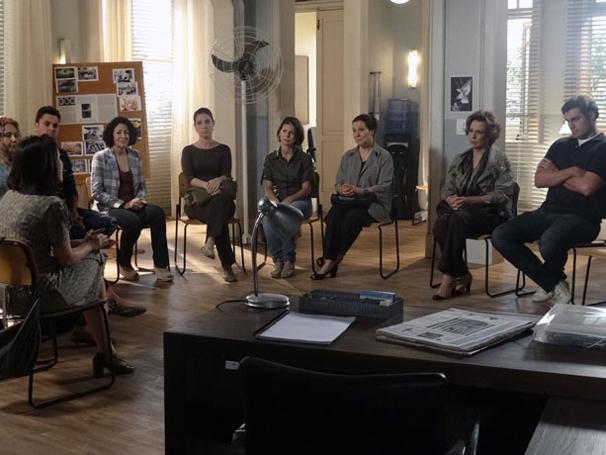 Eva procura grupo de apoio (Foto: TV Globo/ A Vida da Gente)