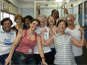 Exercícios físicos UnATI (Foto: Divulgação)