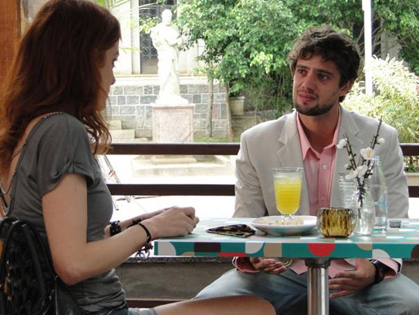 Rodrigo confessa que seu sentimento por Ana despertou (Foto: TV Globo/ A Vida da Gente)