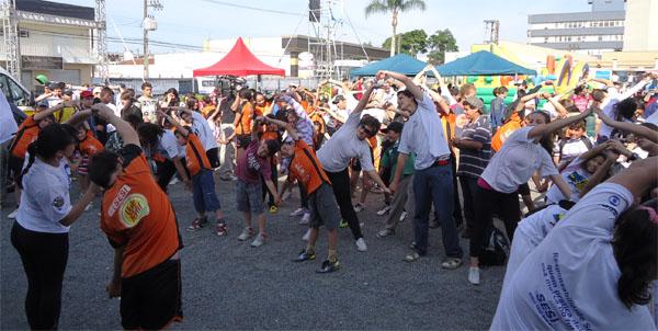 Alonga aí! (Foto: Divulgação/RPC TV)