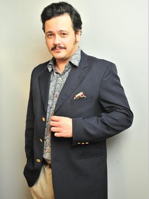 Danton Mello vive diretor em minissérie sobre Dercy (Foto: TV Globo / João Miguel Júnior)