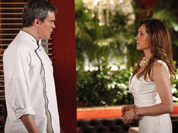 Tereza Cristina expulsa René de casa e fecha o Le Velmont  (Foto: TV Globo / Fina Estampa)