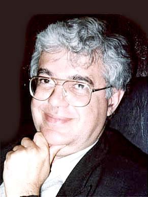 O geólogo e paleontólogo Diógenes de Almeida Campos, diretor do Museu de Ciências da Terra (Foto: Divulgação)