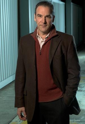 Jason Gideon (Mandy Patinkin) é o líder da equipe (Foto: Divulgação)