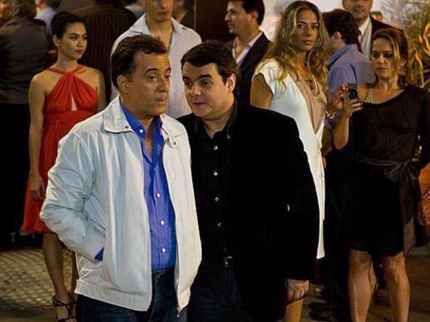 Cássio Gabus Mendes em cena com Tony Ramos em 'Se Eu Fosse Você 2' (Foto: Divulgação)