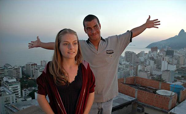 Thiago Martins e Vitória Frate vivem história de Romeu e Julieta moderna (Foto: Divulgação)