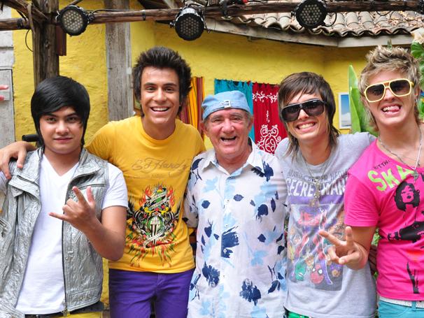 Restart também está em Acampamento de Férias III (Foto: TV Globo / Estevam Avellar)