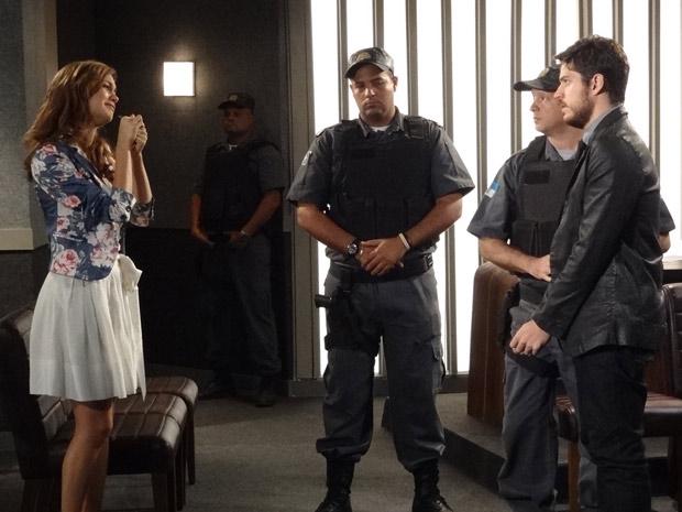 Fina Estampa - Rafa é condenado a três anos de prisão (Foto: Divulgação TV Globo)