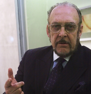 O Senador tenta convencer o presidente a abandonar o cargo (Foto: TV Globo / Zeca Guimarães)