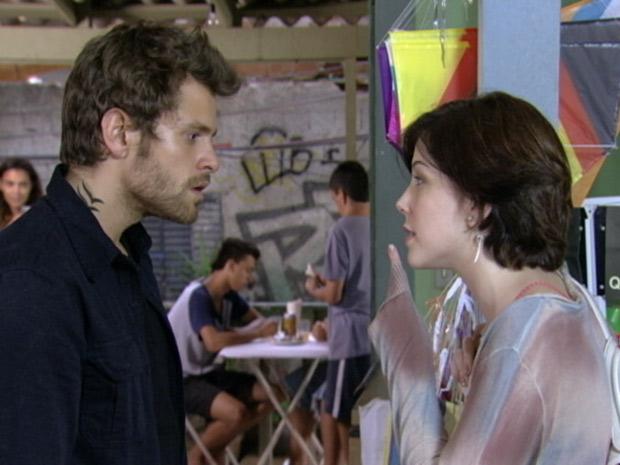 Alexia manda Moisés deixar Gabriel em paz (Foto: TV Globo / Malhação)