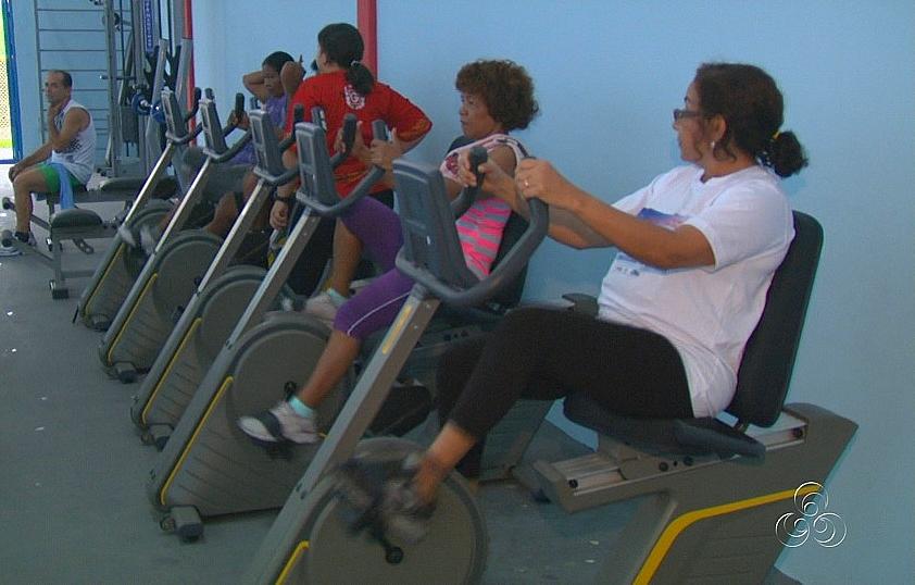 As atividades de musculação também atraem a participação da comunidade (Foto: Bom dia Amazônia)