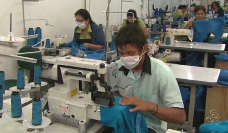 A presença de homens no setor de confecção tem aumentado (Foto: Amazônia TV)