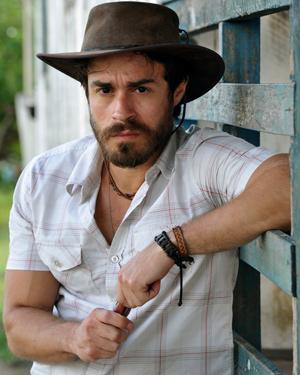 Erom Cordeiro interpreta o peão Tobias (Foto: Alex Carvalho/ TV Globo)