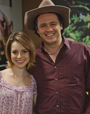 Sandy e Danton Mello são irmãos em 'A reacionária do Pantanal' (Foto: Ique Esteves/ TV Globo)