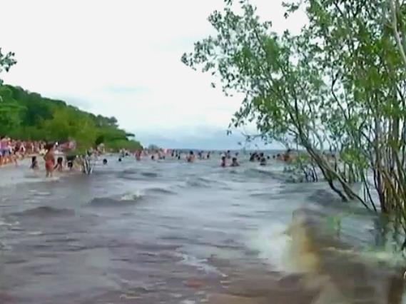 Praia do Açutuba no Amazonas (Foto: Bom dia Amazônia)