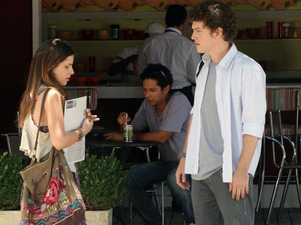 Gabriel descobre que Cristal está grávida  (Foto: TV Globo / Malhação)