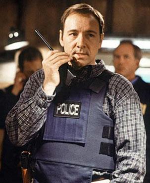 Kevin Spencer é negociador tenta deter Jackson em filme (Foto: Divulgação)